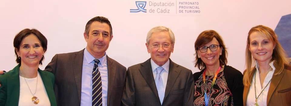 Los organizadores, con Fernando Ónega